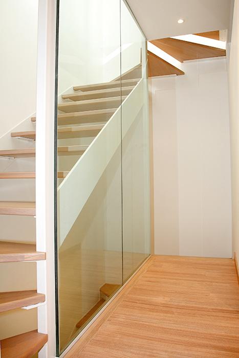 Forrar escalera de madera good forrado de escalera con laminado de quick step with forrar - Como forrar una escalera de madera ...